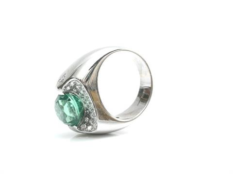 Aufregender Peridot Ring mit Brillanten in WG 750
